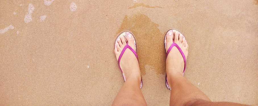 4 razones para no utilizar chancletas para caminar
